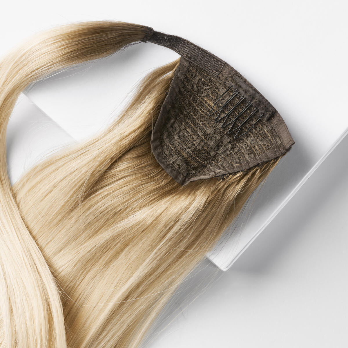 Clip-in Ponytail Ponytail made of real hair C7.3/8.3 Brilliant Blonde ColorMelt 50 cm