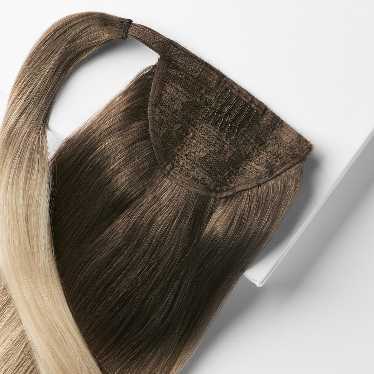 Clip-in Ponytail O2.6/8.0 Dark Ash Blond Ombre 40 cm