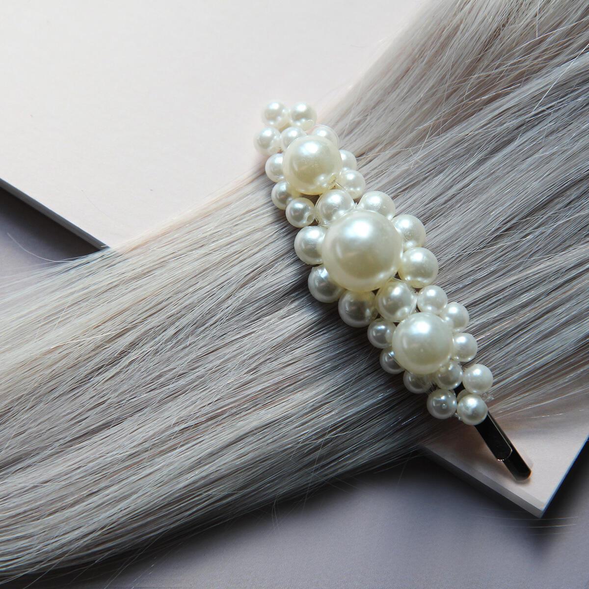 Hårnål med dekorativa pärlor