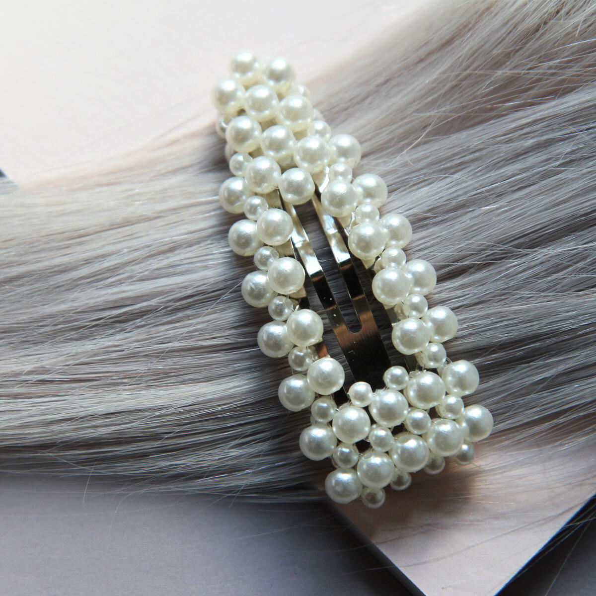 Trendy hair slide with pearls Pearl Collection no. 10 null